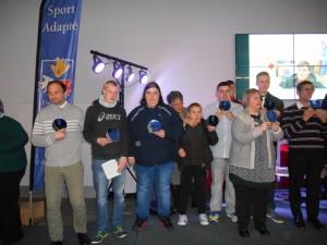 Jeff est le 2ème à partir de la gauche.